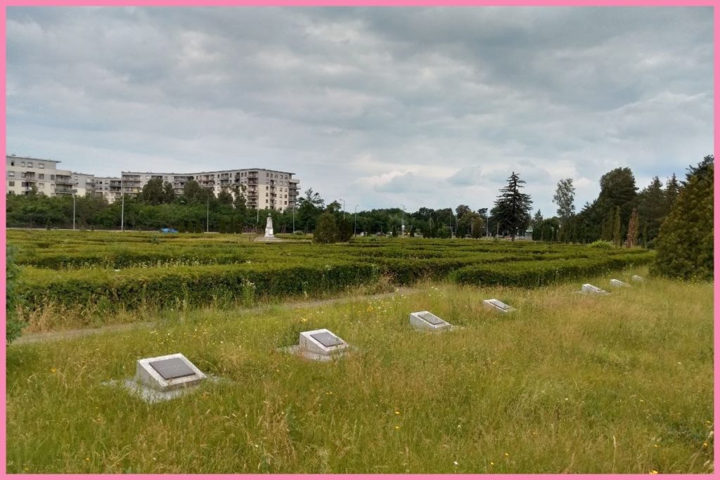 co warto zobaczyć we Wrocławiu cmentarz oficerów radzieckich